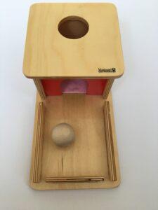 9. Коробочка с шариком # Box with a ball