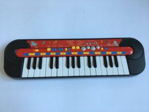 208. Pianino