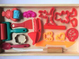 44. Красный комплект формочек для пластилина#Red playset for playdough