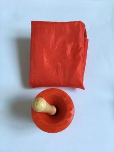 800. Красная гуашь#Red gouache and apron (1)