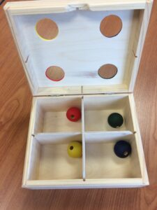 83. Sorter with balls (2)